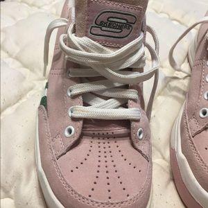 Sketchers pink suede shoes